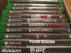 Xbox One + 4 joystickuri+ Kinect + Xbox gold
