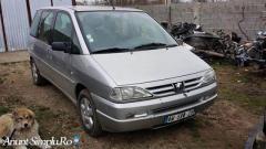 Dezmembrez Peugeot 806